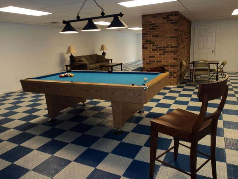 Interlocking floor tiles for basement