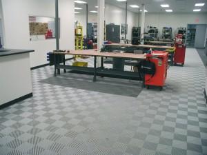 Industrial Workshop: Ribtrax (Pearl Silver)