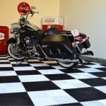 Harley Heritage in Coca-Cola Checkered Garage: Ribtrax (Jet Black, Arctic White)