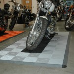 Motorcycle Pad: Ribtrax (Pearl Silver, Jet Black)